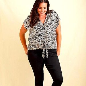 NWT Womens Plus Size 3X Torrid Animal Print Top